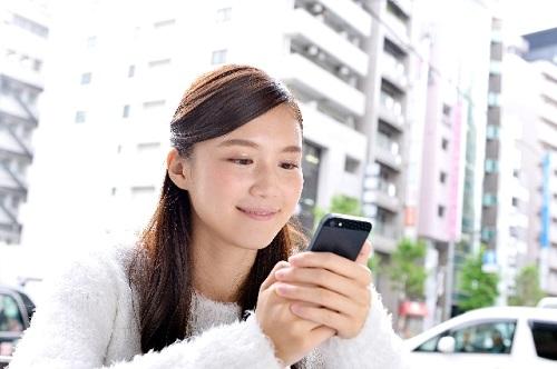 WEB制作は大阪のフリーデザイナーが手掛ける「インターステラー」にお任せ!スマホ対応へリニューアルする必要性について